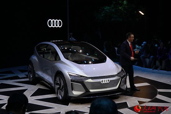 奥迪AI:ME概念车上海全球首发 展现未来出行愿景