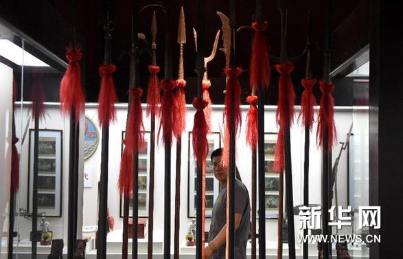 (文化)(1)嵩山少林古兵器展览馆开馆