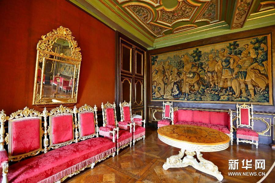(国际)(3)外表朴素内部精美的莫达沃城堡