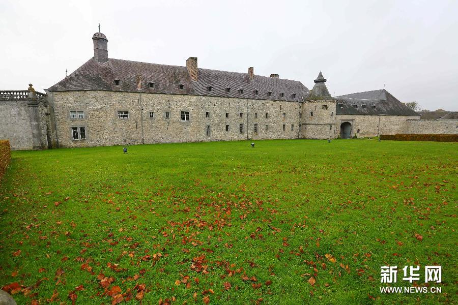 (国际)(2)外表朴素内部精美的莫达沃城堡
