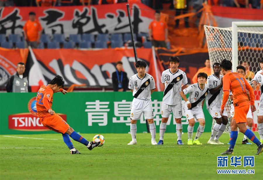 (体育)(3)足球——亚冠联赛:山东鲁能胜韩国庆南FC