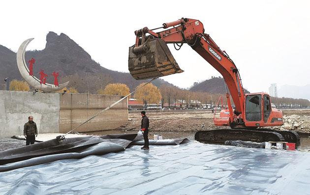 实施冬季养护维修工程 确保橡胶坝安全运行